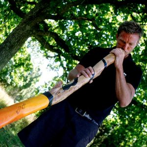 Christopher Rapp spelar Didgeridoo