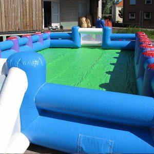 Uppblåsbar fotbollsplan 6x9 m grön o blå