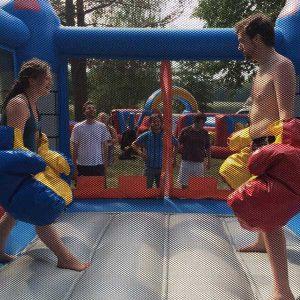 Bouncy boxing i hoppborg